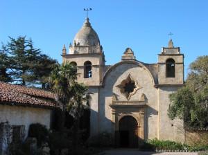 卡梅爾天主教堂是美國加州最有名的西班牙天主教堂之一,古樸典雅的教堂,予人一種穩重踏實的感覺。